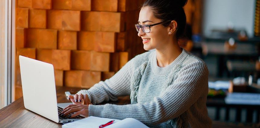 Por qué hacer tu carrera en línea