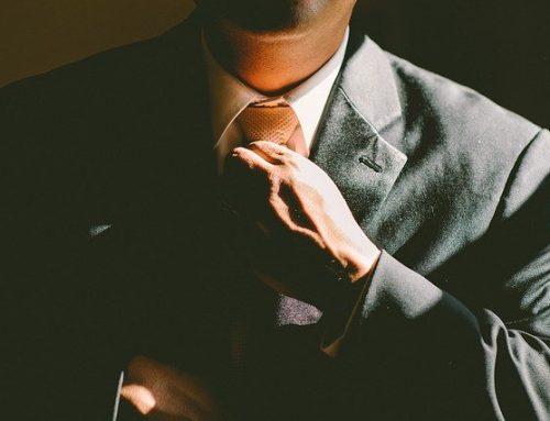 Estudiar Administración de Empresas en línea y el beneficio de seguir trabajando