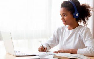 Aprovechamiento de tiempo, principal beneficio de la Educación en Línea